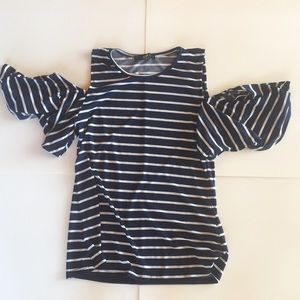 Tops - CUTE COLD-SHOULDER STRIPED TOP **NEVER WORN**